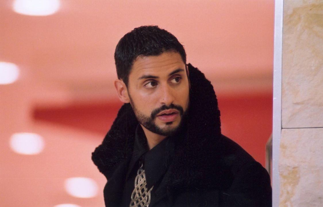 Für seine geliebte Herrin riskiert der Assasine Shareef (René Ifrah) Kopf und Kragen ... - Bildquelle: ProSieben ProSieben