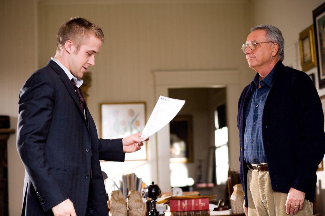Der ehrgeizige Anwalt Willy Beachum (Ryan Gosling), der die Vertretung der Anklage übernimmt, glaubt leichtes Spiel mit dem vermeintlichen Routinef... - Bildquelle: Warner Brothers