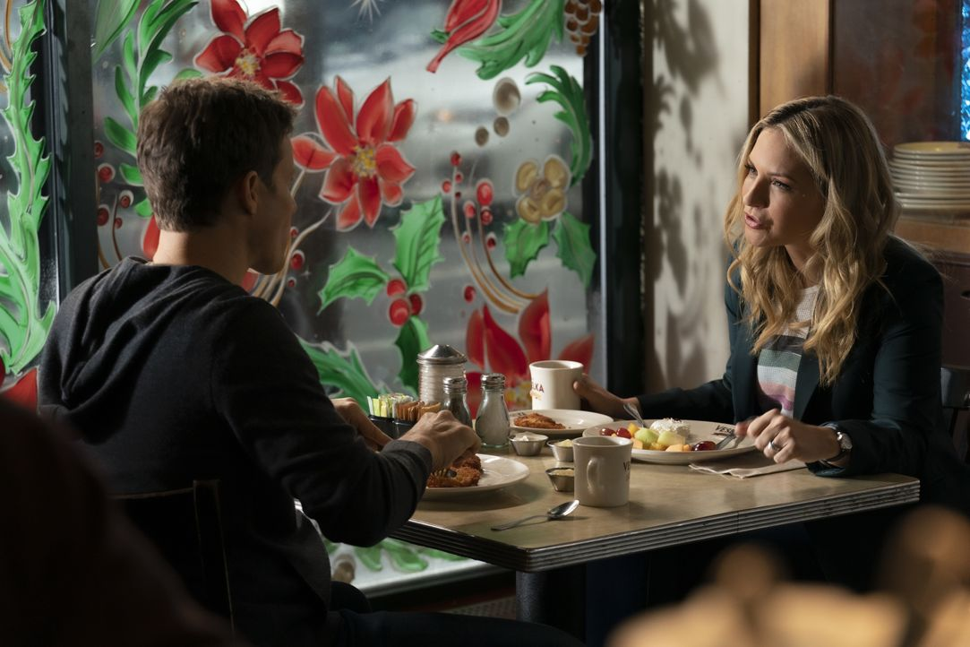 Jamie Reagan (Will Estes, l.); Eddie Reagan (Vanessa Ray, r.) - Bildquelle: Patrick Harbron 2019 CBS Broadcasting Inc. All Rights Reserved. / Patrick Harbron