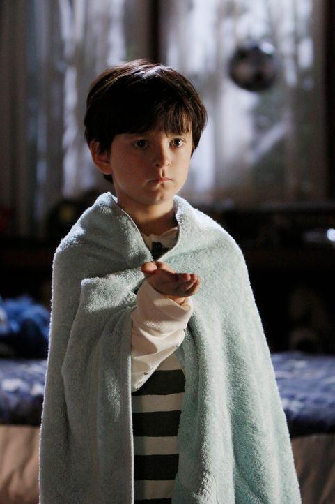 Immer öfter hat Aiden (Connor Gibbs) Kontakt zu seinen Geisterfreunden. - Bildquelle: ABC Studios