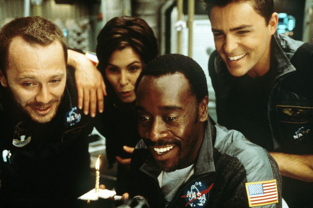 Voller Selbstvertrauen startet im Jahr 2020 eine Expedition zum Mars. Jedoch kaum auf dem Mars gelandet, stößt die Crew um Kommandeur Luke Graham... - Bildquelle: Touchstone Pictures