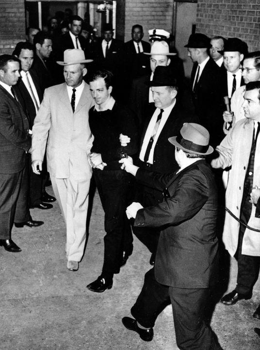 Die spektakulärsten Verschwörungstheorien - War der Kennedy- Mord ein Komplott des CIA? - Bildquelle: JACK BEERS/ picture alliance / AP Photo