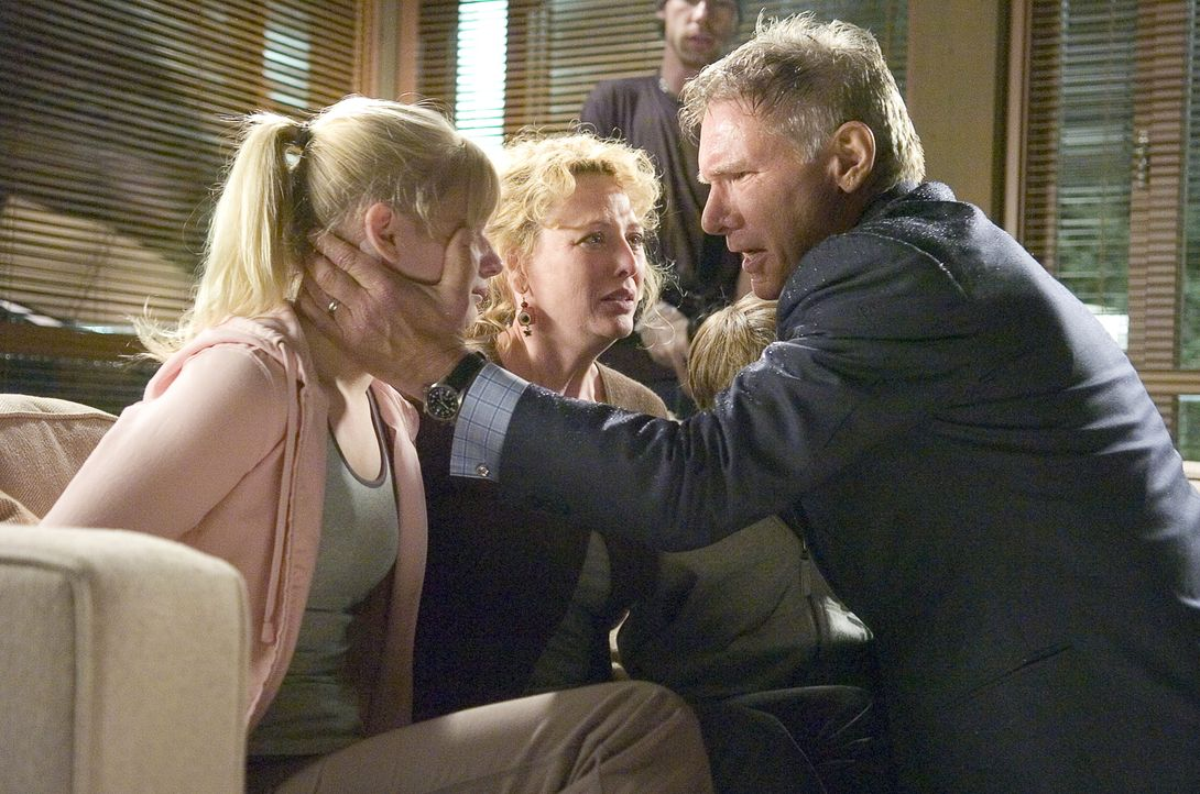 Der angebliche Vertreter der Konkurrenz Bill Cox, mit dem sich Jack Stanfield (Harrison Ford, r.) wegen eines neuen Jobs trifft, entpuppt sich als a... - Bildquelle: Warner Bros. Pictures