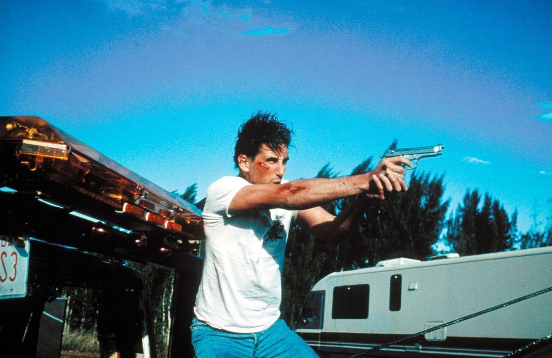 Zunächst kann der Cop Max Kirkpatrick (William Baldwin) seine Schutzbefohlene absolut nicht ausstehen, doch schon bald riskiert er Kopf und Kragen... - Bildquelle: Warner Bros. Pictures