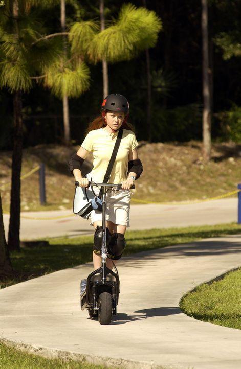 Becky (Stephanie Sherrin) macht den Gangstern das Leben schwer ... - Bildquelle: North by Northwest Entertainment