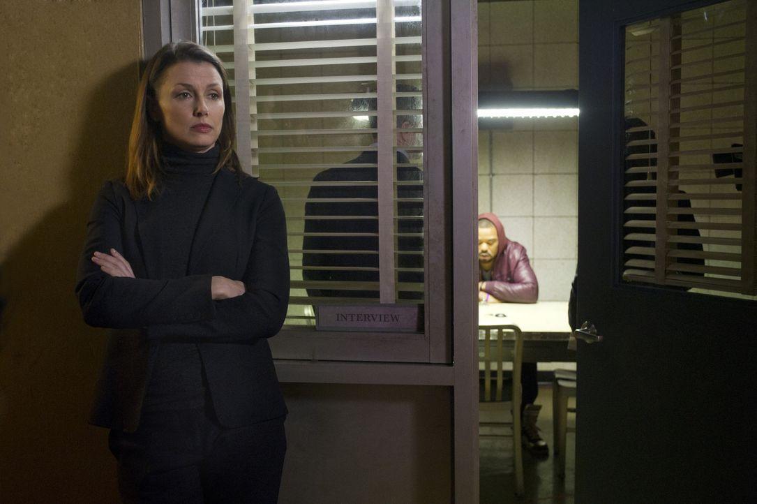 Erin (Bridget Moynahan, l.) soll bei den Kent-Ermittlungen sicherstellen, dass alle Untersuchungen rechtmäßig vonstattengehen. Das passt ihrem Brude... - Bildquelle: Jeff Neira 2014 CBS Broadcasting Inc. All Rights Reserved.