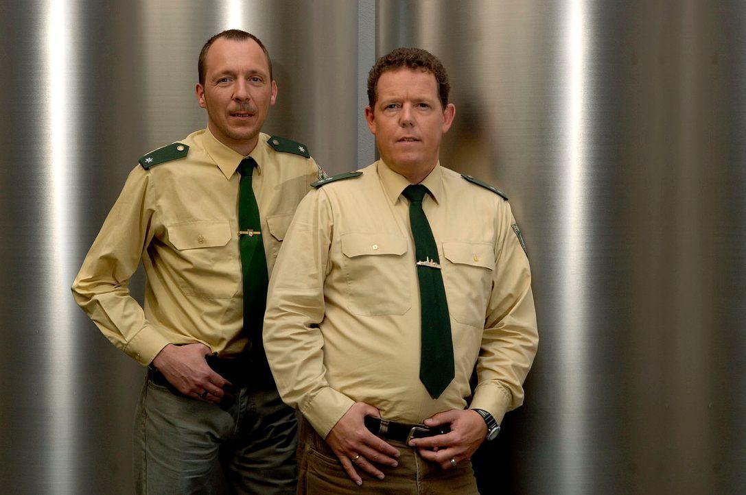 Toto (r.) und Harry (l.) sind wieder unterwegs und sorgen für Recht und Ordnung! - Bildquelle: kabel eins