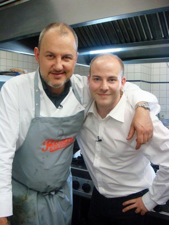 """Sven Riegel (r.) hat vor zwei Monaten das Restaurant """"Casa Italiana da Alberto"""" in Berlin übernommen. Jetzt bittet er Frank Rosin (l.) um Hilfe. - Bildquelle: kabel eins"""