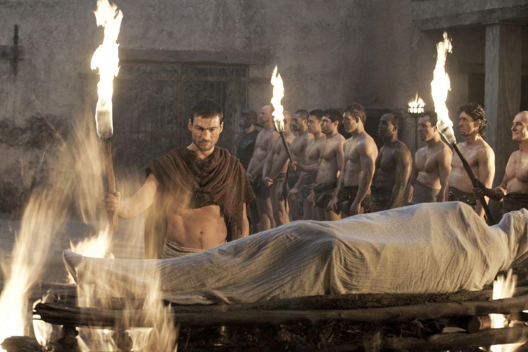 Kommt kaum über den Verlust seiner geliebten Frau hinweg: Spartacus (Andy Whitfield) ... - Bildquelle: 2010 Starz Entertainment, LLC