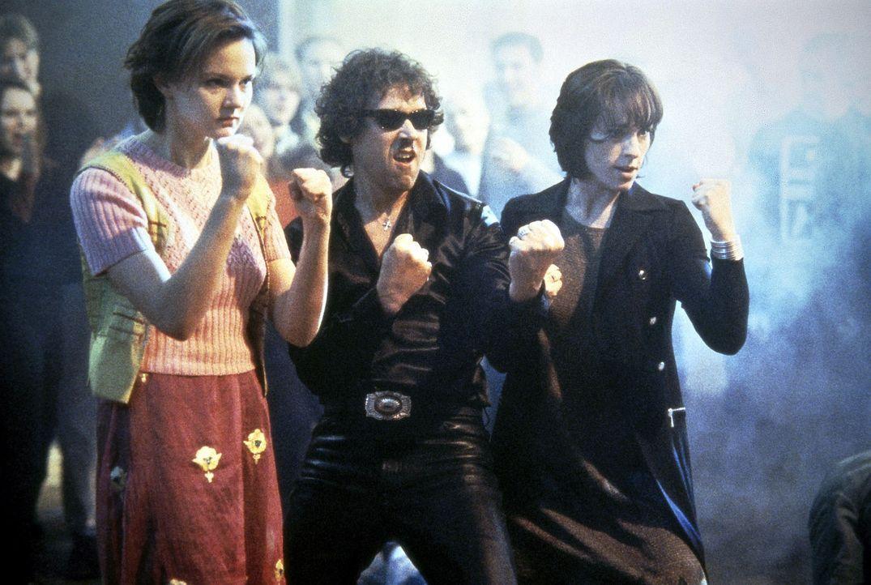 Mit einer Horde holländischer Punks nehmen es Clare (Rachel Stirling, l.), Tony (Stephen Rea, M.) und Karen (Juliet Aubrey, r.) immer auf ... - Bildquelle: Columbia Pictures