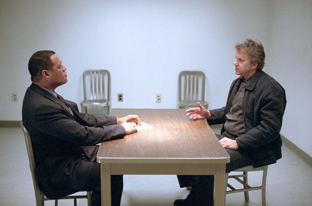 Schon bald gerät das Opfer von einst, der lethargische und schwer traumatisierte Dave (Tim Robbins, r.), ins Visier der polizeilichen Ermittlungen... - Bildquelle: Warner Bros. Pictures