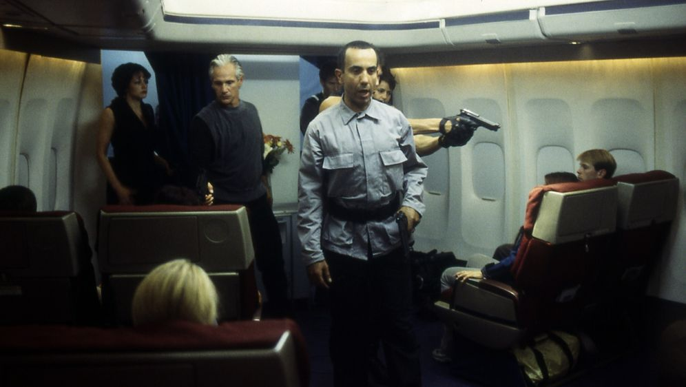 Crash Landing - Bildquelle: Cinetel Films