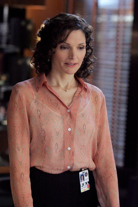 Ermittelt in einem schwierigen Fall: Anne (Mary Elizabeth Mastrantonio) ... - Bildquelle: Warner Bros. Entertainment Inc.