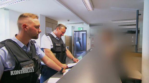 Achtung Kontrolle - Achtung Kontrolle! - Thema U.a.: Illegale Einreise Nach Deutschland - Bundespolizei Frankfurt