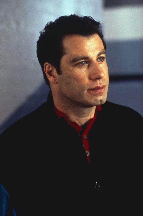 Nach langem Suchen gelingt es James (John Travolta) endlich, einen besseren Job zu finden: Er wird Privatpilot für die reiche Samantha. Und die ist... - Bildquelle: TriStar Pictures