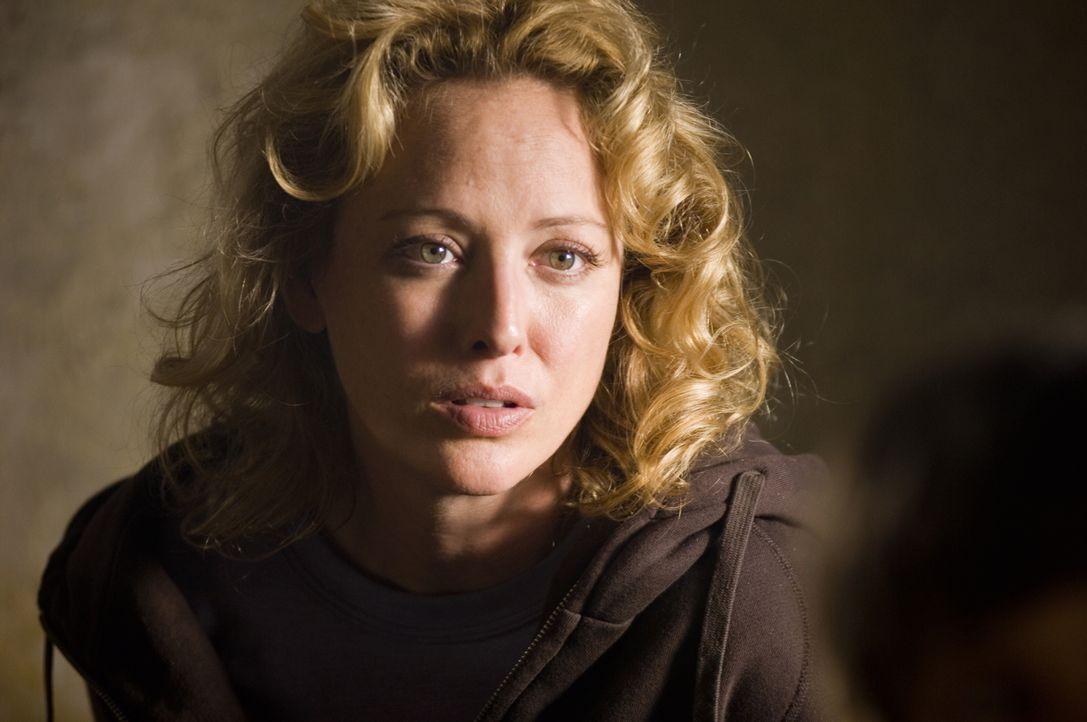 Macht sich große Sorgen um ihre Kinder: Beth Stanfield (Virginia Madsen) ... - Bildquelle: Warner Bros. Pictures