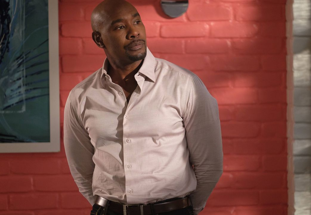 Wer hat den liebenswerten Muffin-Bäcker Doug Russell auf dem Gewissen? Rosie (Morris Chestnut) steht vor einem schier unlösbaren Rätsel ... - Bildquelle: 2016-2017 Fox and its related entities. All rights reserved.
