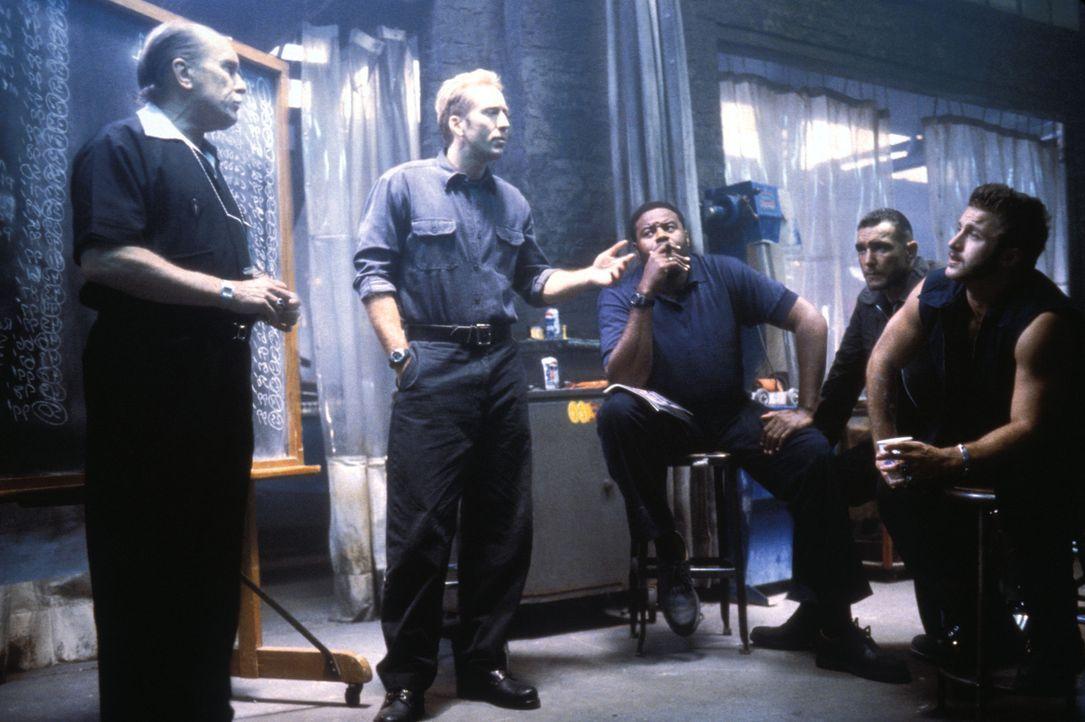 Sie haben nur 72 Stunden, um 50 Nobelkarossen zu stehlen: (v.l.n.r.) Otto (Robert Duvall), Memphis (Nicolas Cage), Donny (Chi McBride), Sphinx (Vinn... - Bildquelle: Touchstone Pictures