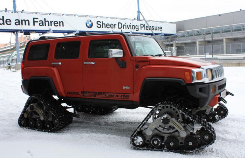 Mit dem Ketten-Hummer auf der Nordschleife! Ein Achtzylinder, 5,3 Liter Hubraum, 305 PS - und 4 Ketten statt Räder! Das etwas andere Snowmobil auf... - Bildquelle: kabel eins