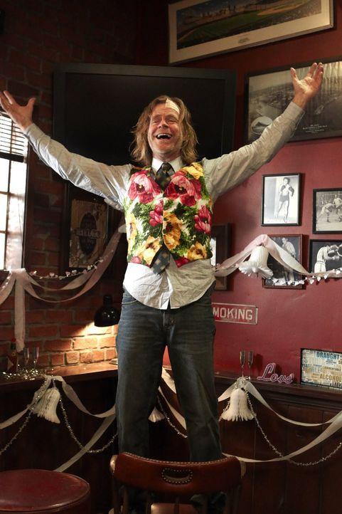 Freut sich Frank (William H. Macy) wirklich über die Hochzeit von Steve und Veronica, oder will er nur den kostenlosen Alkohol genießen? - Bildquelle: 2010 Warner Brothers