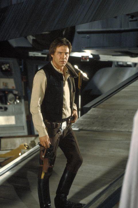 Zwischen den Mächten des Lichts und den Boten des Bösen: Abenteurer Han Solo (Harrison Ford) schließt sich den Rebellen an und kämpft gegen das Impe... - Bildquelle: TM & © 2015 Lucasfilm Ltd. All rights reserved.