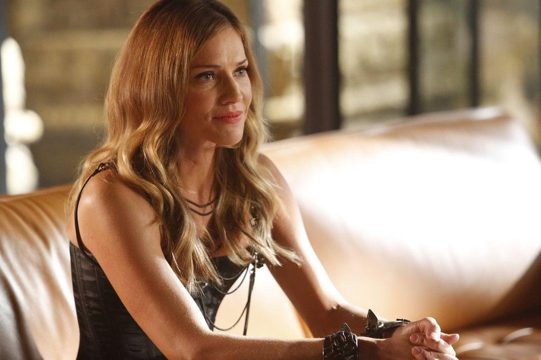 Charlotte (Tricia Helfer) versucht, Lucifer klarzumachen, dass sie nicht sauer auf ihn ist, sondern auf Gott. Doch was bedeutet das für ihre Rachepl... - Bildquelle: 2016 Warner Brothers