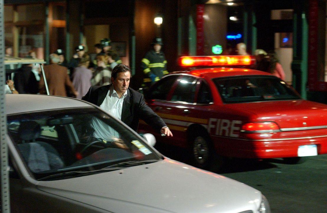 Das plötzliche Verschwinden des Teenagers Ethan Sawyer bereitet Jack Malone (Anthony LaPaglia) und seinem Team Kopfzerbrechen ... - Bildquelle: Warner Bros. Entertainment Inc.