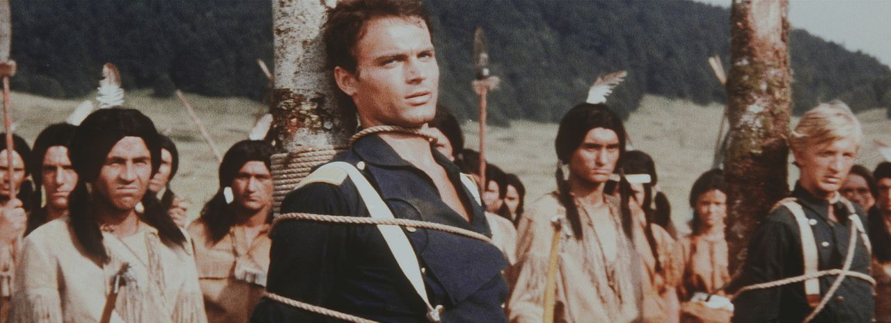 Skrupellose Gangster stiften immer wieder Unruhe in Winnetous geliebter Heimat. Da weder die Weißen, noch die Indianer die wahren Verursacher kenne... - Bildquelle: Columbia Pictures