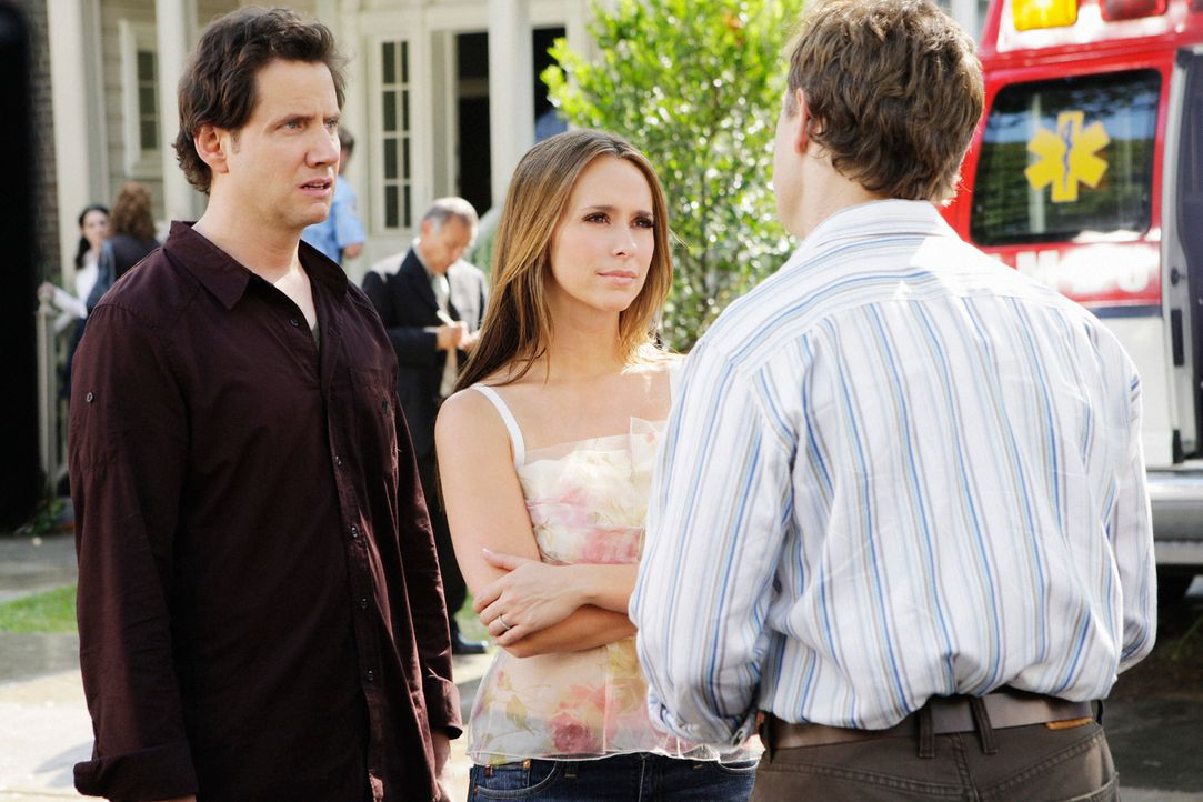 Können Eli James (Jamie Kennedy, l.) und Melinda Gordon (Jennifer Love Hewitt, M.) dem Geist von Larry Jones (Raphael Sbarge, r.) helfen? - Bildquelle: ABC Studios