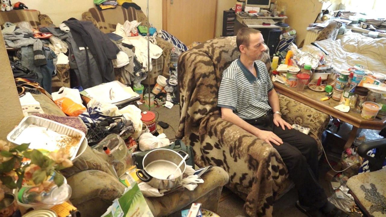 Das Chaos in einer Messie-Wohnung würde jeden Menschen verstören. Doch richtig kompliziert wird es, wenn ein Ordnungsfanatiker über die Türschwelle... - Bildquelle: kabel eins