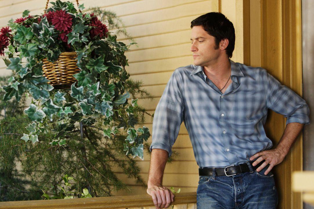 Jim (David Conrad) weigert sich strikt, ins Licht zu gehen, so lange Melinda von einem Geist heimgesucht wird, der gefährlich zu sein scheint. - Bildquelle: ABC Studios