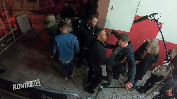 Achtung Kontrolle - Achtung Kontrolle! - Thema U.a.: Security Sorgt In Aschaffenburger Club Für Sicherheit