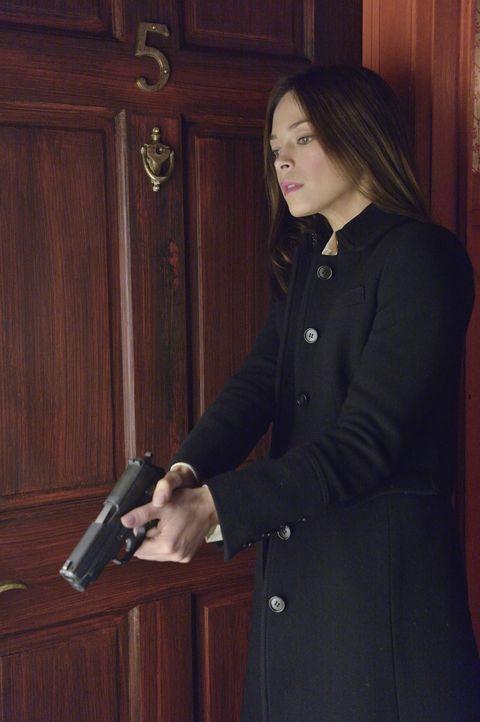 Schnell wird Catherine Chandler (Kristin Kreuk) klar, dass sie besser niemandem mehr trauen sollte ... - Bildquelle: 2013 The CW Network. All Rights Reserved.