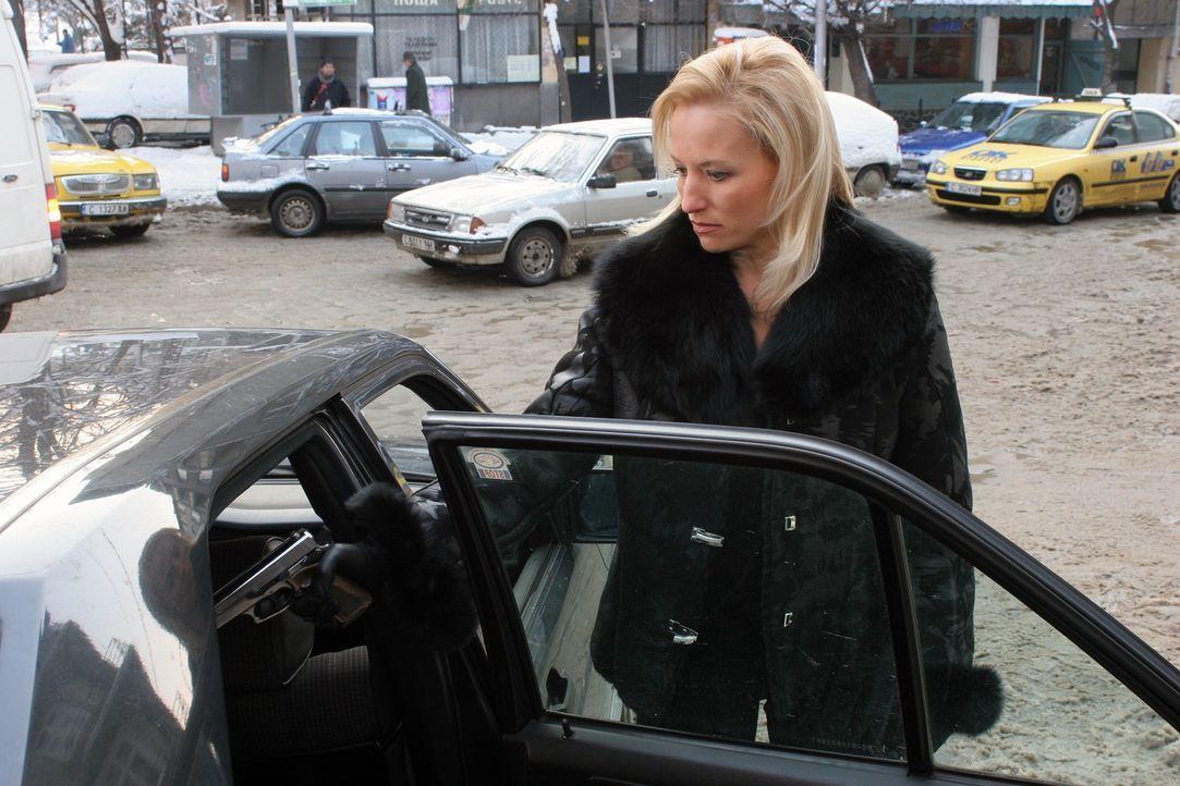 Steckt Svetlana (Daisy Lang) mit der Unterwelt unter einer Decke ... - Bildquelle: Nu Image Films