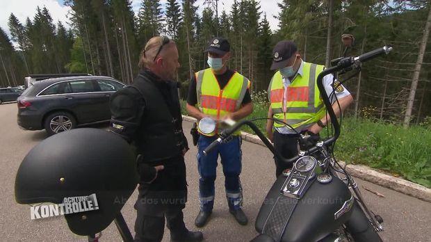 Achtung Kontrolle - Achtung Kontrolle! - Thema U.a.: Diskussionen über Diskussionen - Motorradkontrolle Im Schwarzwald