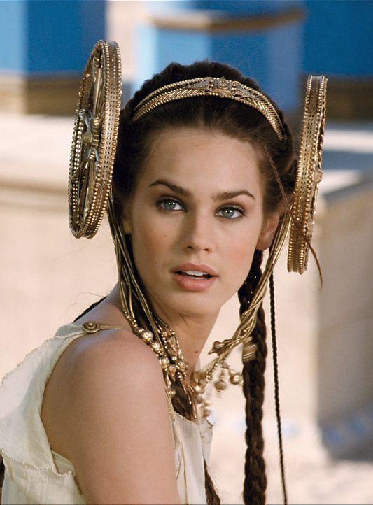 Prinzessin Irina (Vanessa Hessler) verliebt sich in den Gallier Romantix, ist jedoch Brutus, dem Adoptivsohn Caesars, versprochen. Die Olympischen S... - Bildquelle: Constantin Film