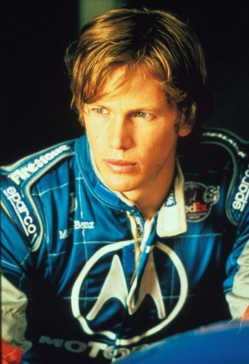 Immer wieder muss Formel 1-Pilot Jimmy (Kip Pardue) erleben, dass sein deutscher Konkurrent die Nase vorn hat. Da wird ihm ein altgedienter, erfahre... - Bildquelle: Warner Bros.