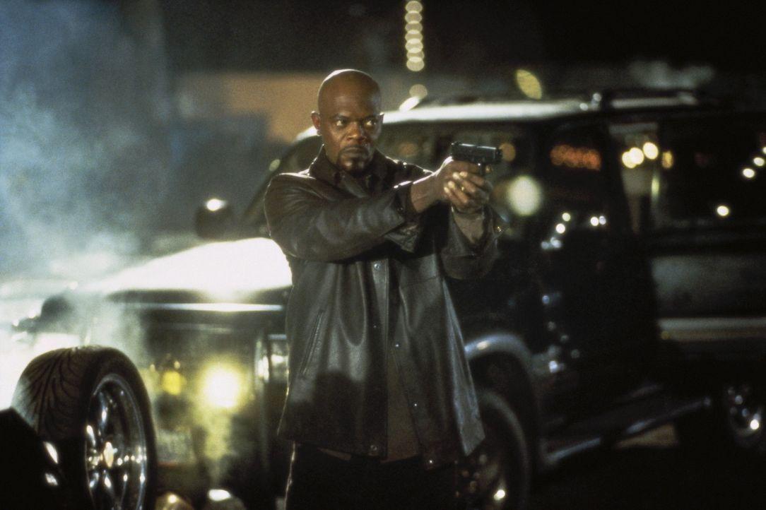 Nachdem Wade auf Kaution freikommt, flieht er in die Schweiz. Zwei Jahre später kehrt er zurück - nicht ahnend, dass Shaft (Samuel L. Jackson) ihn... - Bildquelle: Paramount Pictures