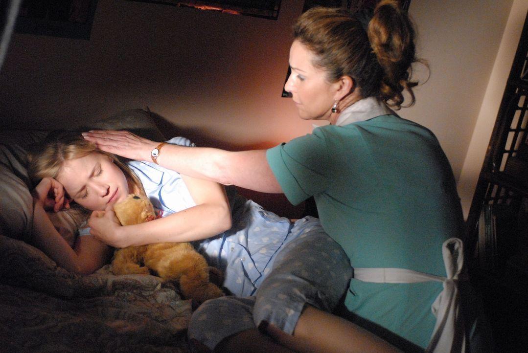 Rückblick: Schon in ihrer Jugend wir Allison (Jessy Schram, l.) oft von Alpträumen geplagt. Ihre Mutter Diane (Peri Gilpin, r.) versucht sie zu beru... - Bildquelle: Paramount Network Television
