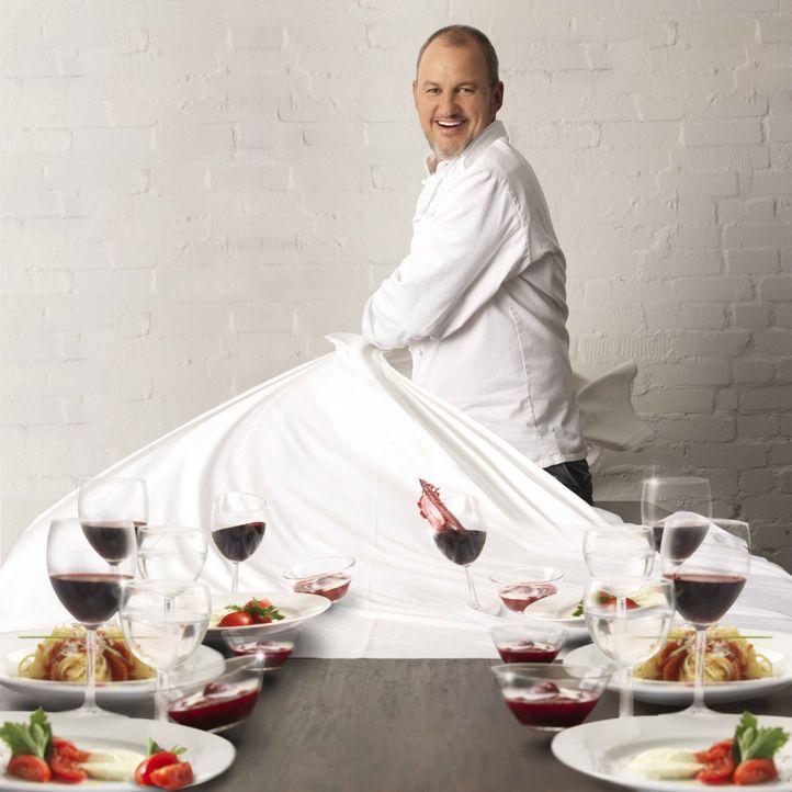 Wenige Gäste, langweiliges Essen und keine Motivation? Der Sternekoch Frank Rosin hat eine Woche Zeit, um Küche, Koch und Crew verbesserungswilliger... - Bildquelle: Arne Weychardt kabel eins