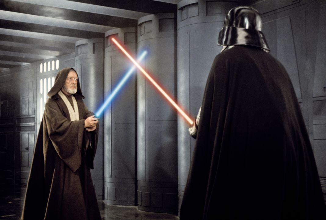 Mit den Waffen eines Jedis: Nach vielen dramatischen Abenteuern kommt es für Obi-Wan (Alec Guinness, l.) zu einem alles entscheidenden Laser-Schwert... - Bildquelle: 1997 Lucasfilm Ltd. All rights reserved.