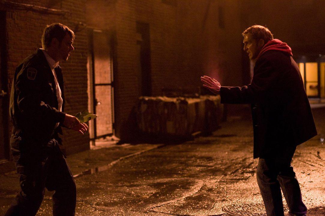 Verzweifelt versucht der herztransplantierte Terry (Josh Lucas, r.) den Mörder (Jamie Harrold) seines Organspenders zu überführen, bevor er desse...