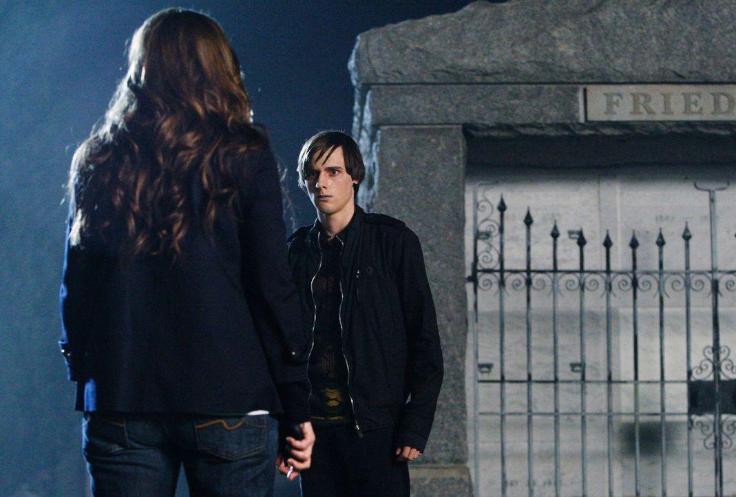 Kann Melinda (Jennifer Love Hewitt, l.) den Geist von Andrew Carlin (Jake Thomas, r.) daran hindern, seine große Liebe zu sich zu holen? - Bildquelle: ABC Studios