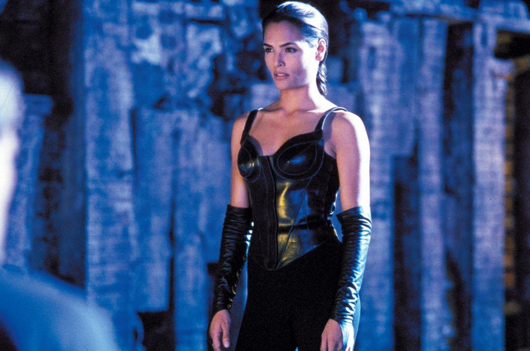 In Prinzessin Kitana (Talisa Soto) finden die Krieger eine entscheidende Verbündete, die sie im Kampf gegen die finsteren Krieger unterstützt ...