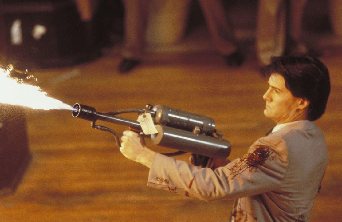Obwohl selbst Alien, jagt Special Agent Lloyd Gallagher (Kyle MacLachlan) einen Artgenossen, der ziemlich häufig durchdreht ... - Bildquelle: Warner Brothers