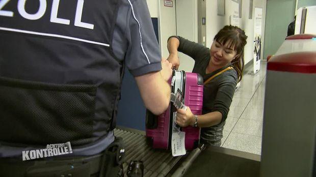 Achtung Kontrolle - Achtung Kontrolle! - Thema U.a.: Zöllner Suchen Unangemeldetes Bargeld Am Münchener Flughafen