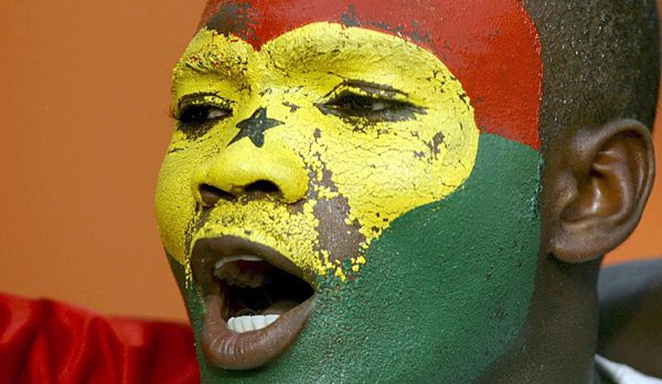 WM-Brasilien-Kamerun-Fan3 - Bildquelle: dpa