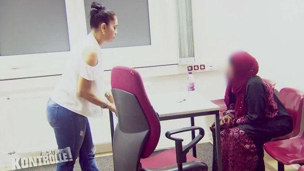 Achtung Kontrolle - Achtung Kontrolle! - Thema U.a.: Rostock Hafen - Illegale Einwanderin Aus Dem Sudan