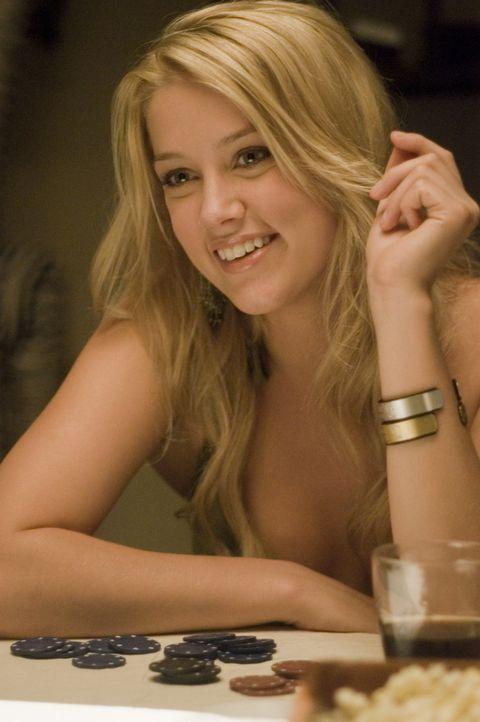 Lässt sich von ihrem Freund vor den Karren spannen, um Jake reinzulegen: Baja (Amber Heard) ... - Bildquelle: 2008 Summit Entertainnment N.V.  All rights reserved.