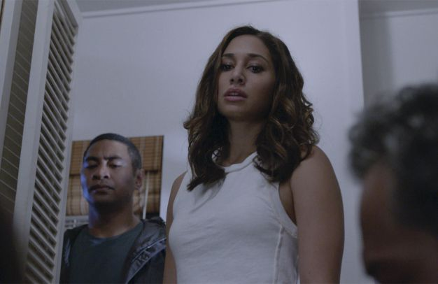 Junior Reigns (Beulah Koale, l.); Tani Rey (Meaghan Rath, r.) - Bildquelle: 2018 CBS Broadcasting, Inc. All Rights Reserved.